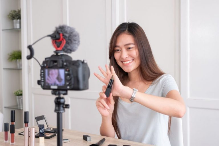 Social Media Influencers In The World Of Fashion